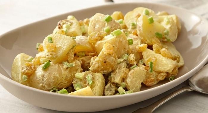 Salată de cartofi dulci de post < 200 calorii