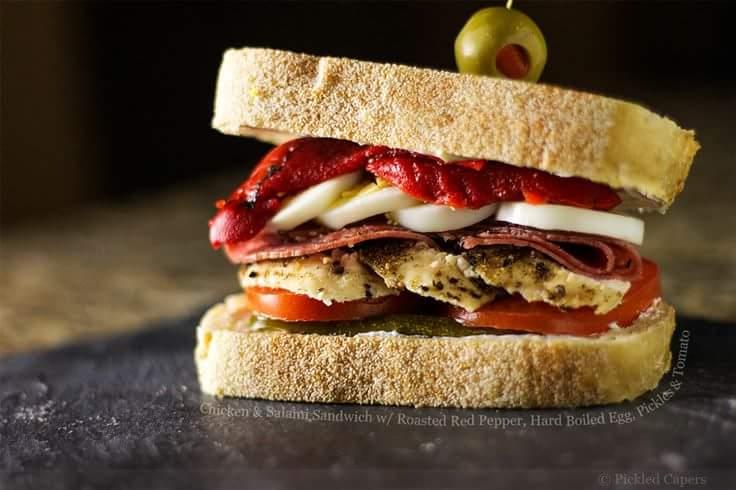 Retete pentru pranz: sandvis cu ou fiert si carne de curcan