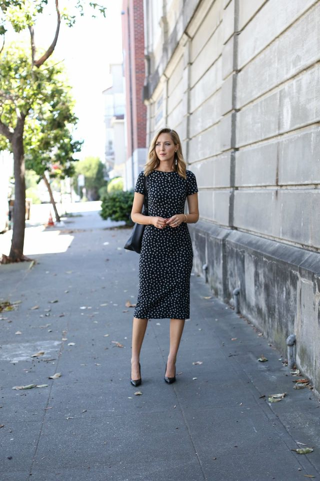 Idei tinute office dama cu rochii de vara