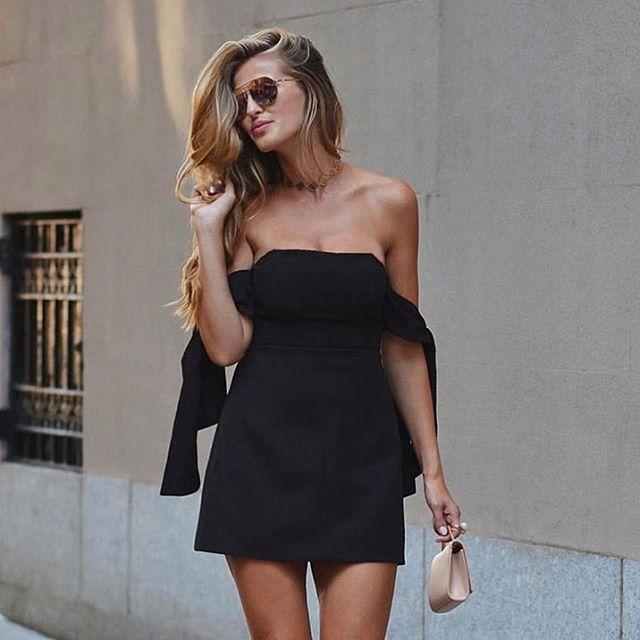 Tinuta de club primavara vara cu rochie neagra scurta