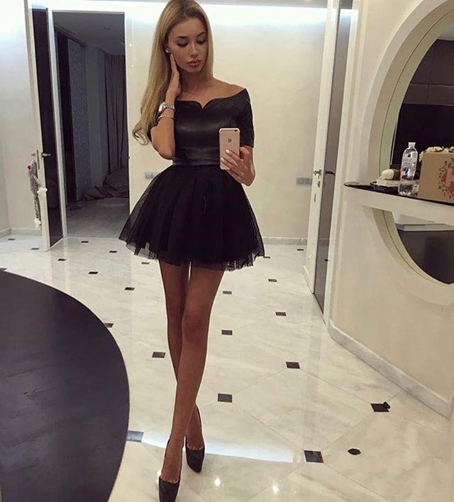 Tinuta de club primavara vara cu rochie neagra scurta din voal
