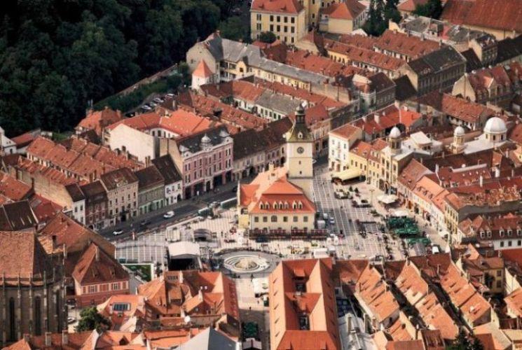 Obiective turistice Brasov | Piata Sfatului din Brasov