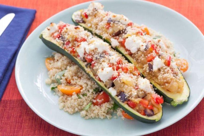 Retete vegetariene simple si delicioase | Zucchini umplut cu quinoa si fasole