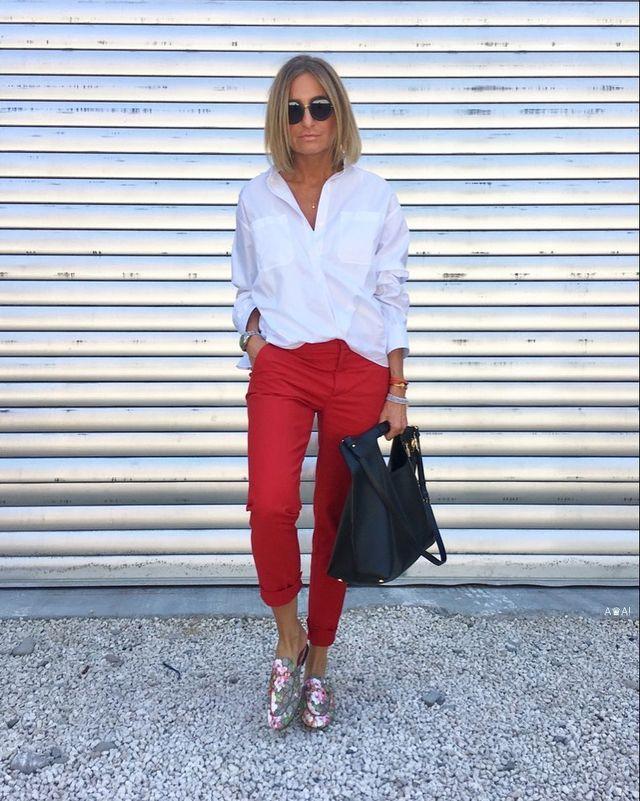 Tinute office de primavara cu pantaloni chinoi rosii