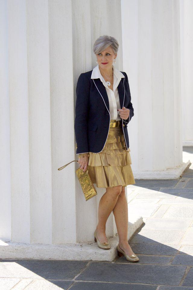 Tinute elegante de seara cu fusta pentru femei de peste 50 de ani