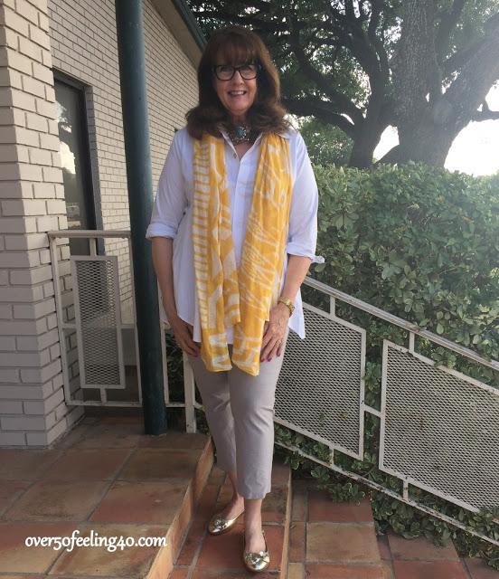 Tinute elegante de zi primavara cu camasa scurta pentru femei de peste 50 de ani