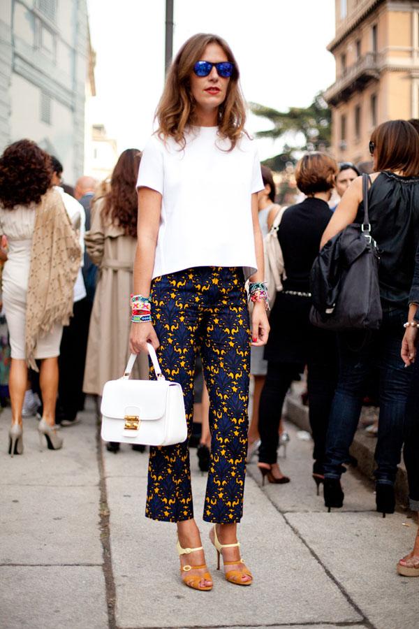 Tinute de zi primavara cu pantaloni pentru femei peste 50 de ani