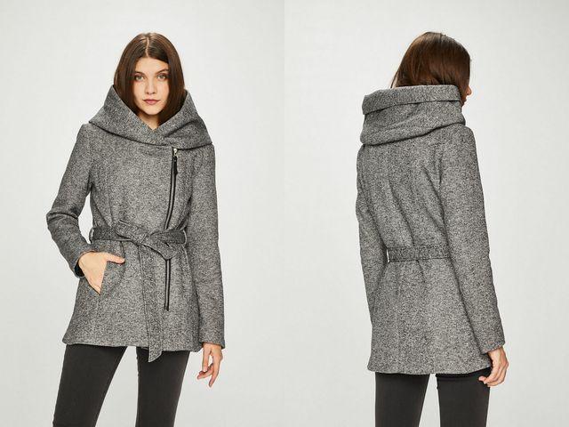 Paltoane dama cu gluga la moda toamna iarna